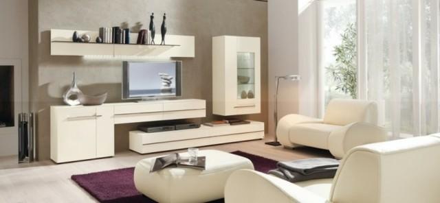 salon blanc design contemporain tapis violet