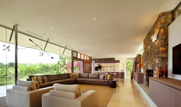 intérieur salon contemporain mur de verre