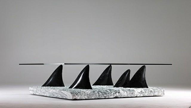 table salon design sculptural intéressant