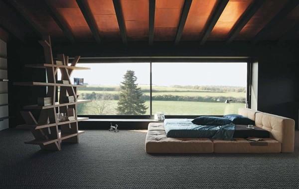 chambre coucher minimalistique bibliotheque originale grand lit