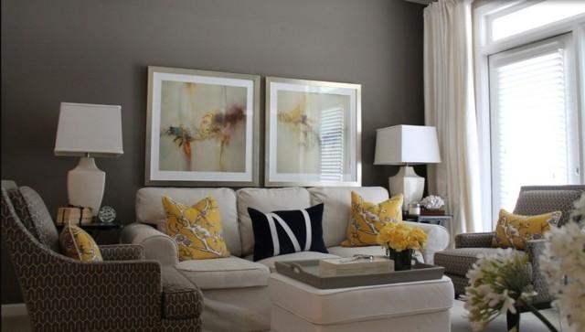 idée salon aménagement déco gris jaune tableau fauteuil gris plateau