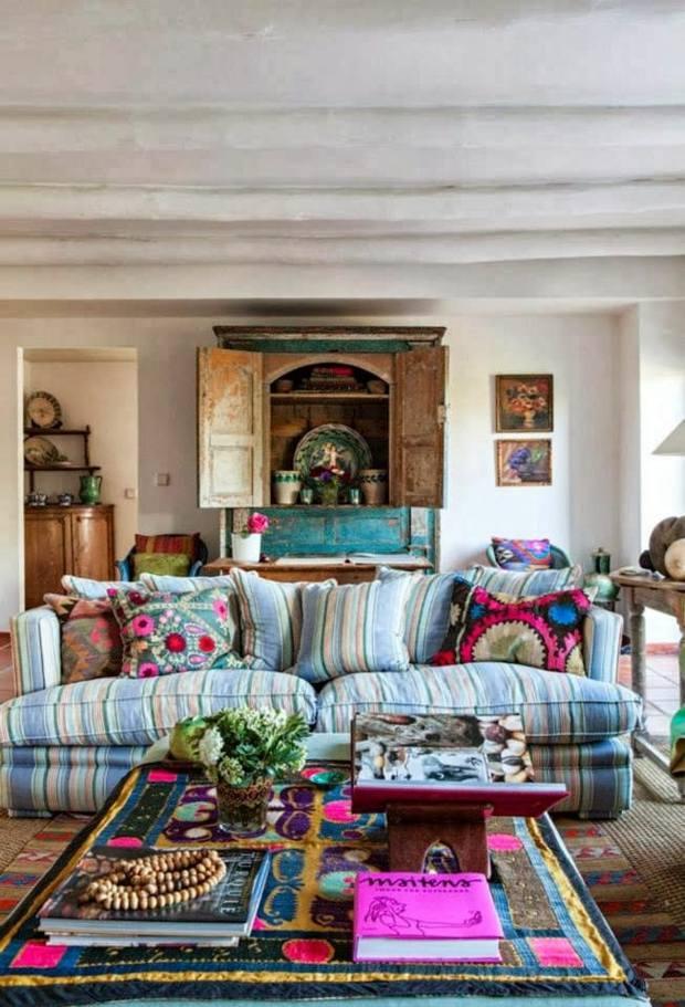 déco salon rustique effet bohème riche en couleurs motifs