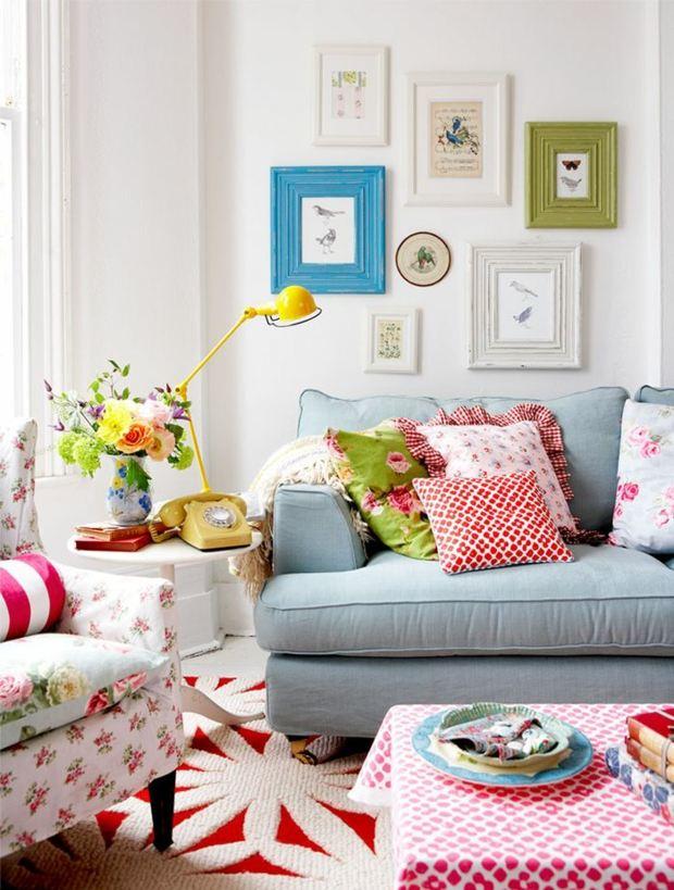 décoration multicolore riche en motifs couleurs vives