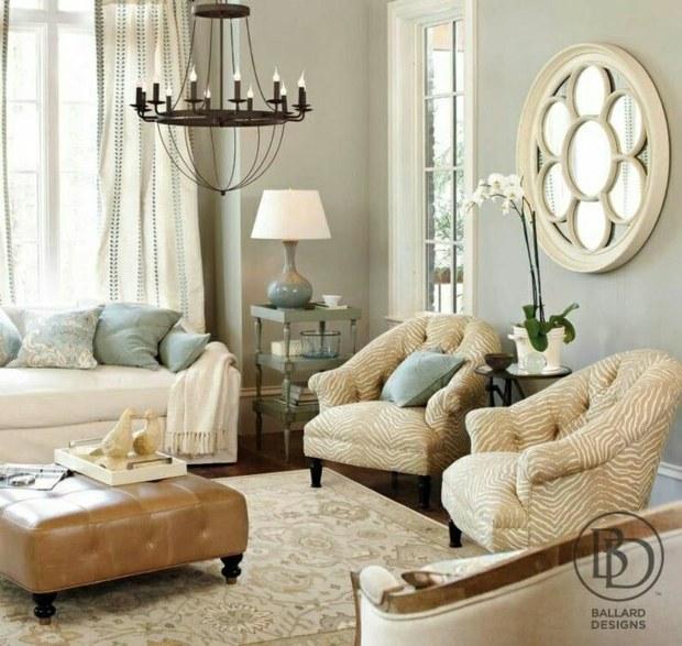 salon élégant aux nuances claires beau luminaire et miroir original