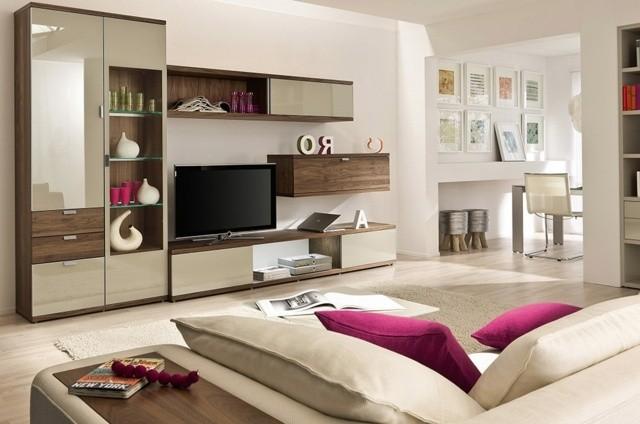 Salon moderne neutre détail de couleur vive détails rose