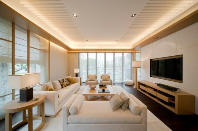 Salon beige lumineux spacieuse en tons clairs