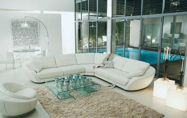 double-table-basse-en-verre-plexyglasse-canapé-angle-blanc