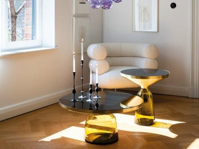 double-table-basse-en-verre-salon-luxe-parquet
