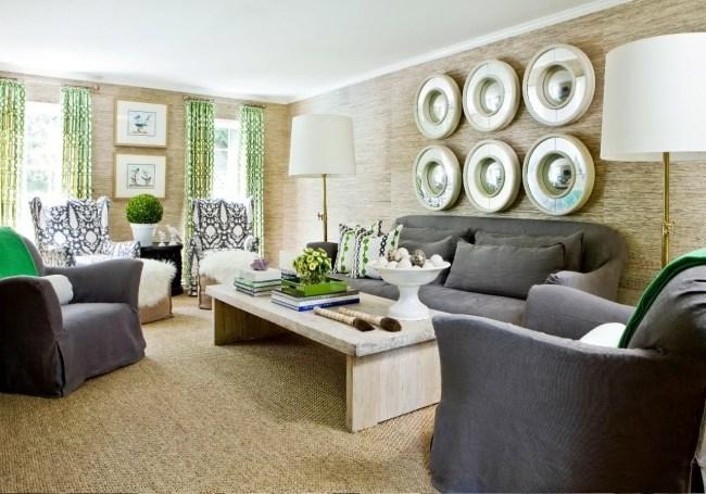 salle-séjour-couleurs-fraîches-arbuste-vert-coussin-accents-mobilier-gris-rideaux-motifs-verts idées salle de séjour