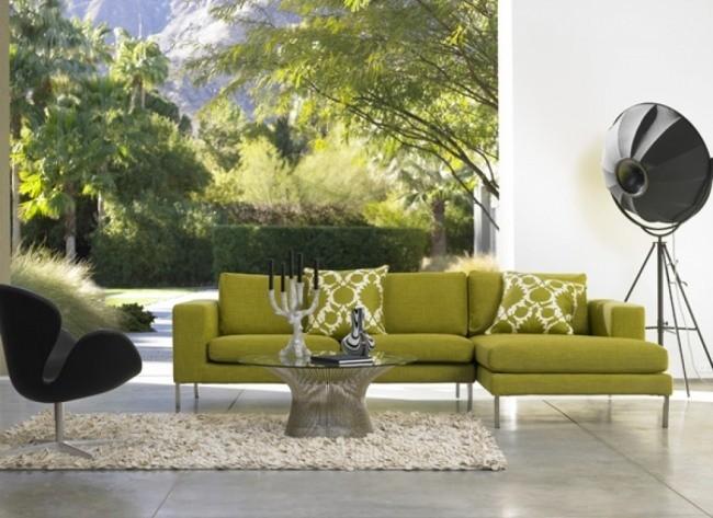 salle-séjour-couleurs-fraîches-canapé-vert-coussins-verts-motifs-blancs idées salle de séjour