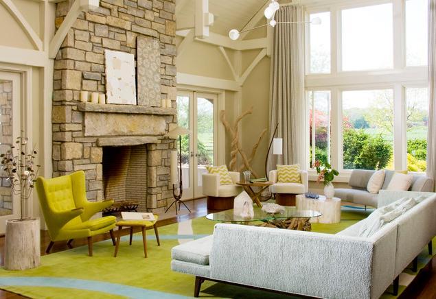 salle-séjour-couleurs-fraîches-tapis-vert-clair-mobilier-blanc-fauteuil-jaune idées salle de séjour