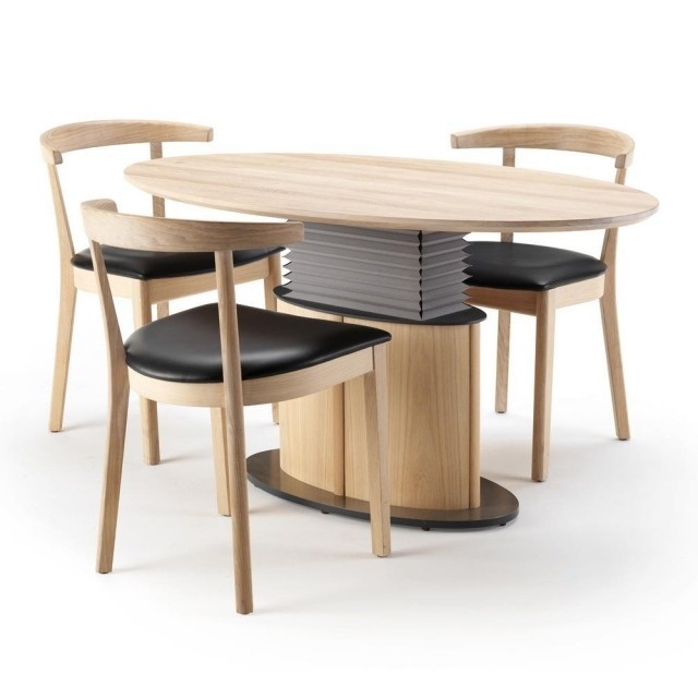 table-basse-relevable-idee-originale-forme-ovale-bois