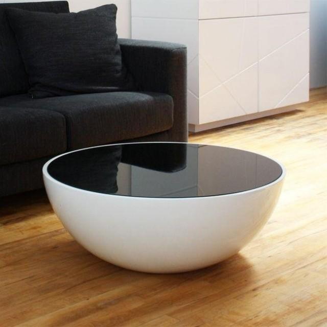 table-basse-ronde-idée-originale-forme-ronde-couleur-noire-blanche