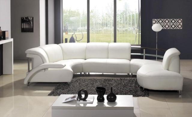 meubles-contemporains-idée-originale-canapé-cuir-blanc-tout-confort