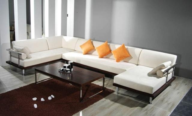 canapé-salon-confort-complet-idée-originale-couleur-blanche-table-basse