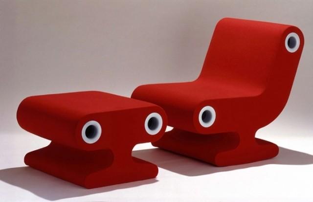 chaise-repose-pieds-couleur-rouge-salon-confort-complet-idée-originale