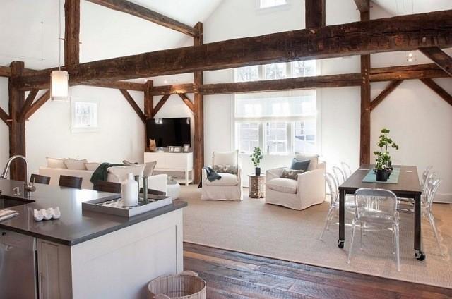déco-salon-rustique-blanc-potres-bois-vieux-parquet-fauteuils-canapé-blancs-table-bois-chaises-transparentes déco salon rustique