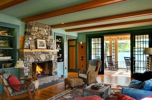 déco-salon-rustique-plafond-française-cheminée-pierre-table-basse-bois-tapis déco salon rustique