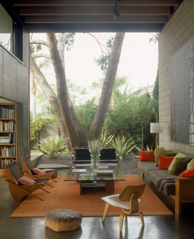idées décoration salon gris orange
