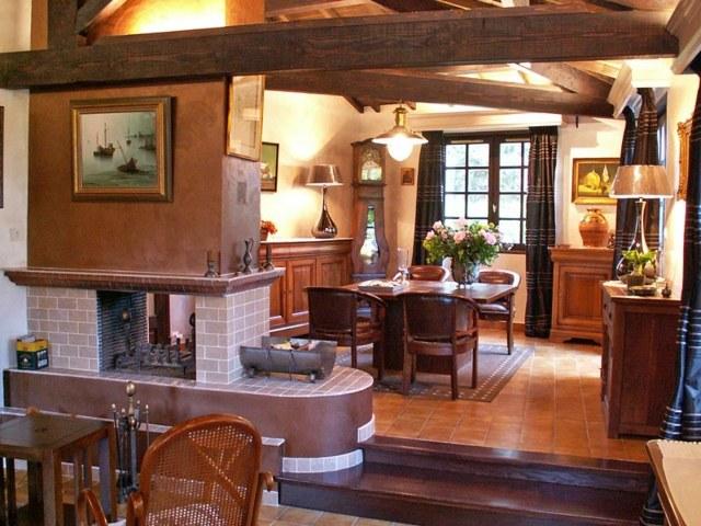 table en bois déco chaise en bois peinture mur salon rustique mobilier