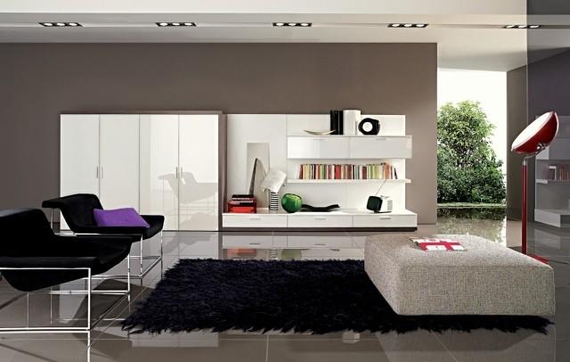 aménagement-de-salon-meubles-modernes-chaises-ottomane-lampe-poser-bibliotheque