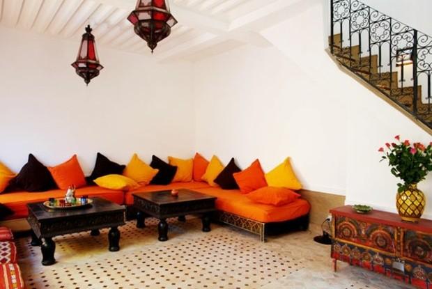 couleurs-vibrantes-et-lampes-marocaines-verre-teinte