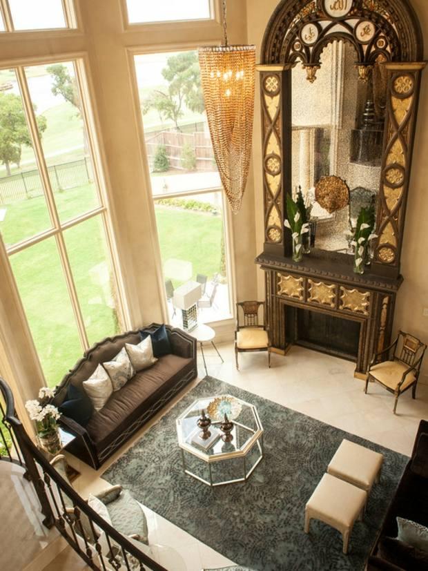 miroir cadre orne motifs et lustre dore chic