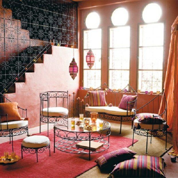 mobilier en metal decoratif et balustrade à motifs