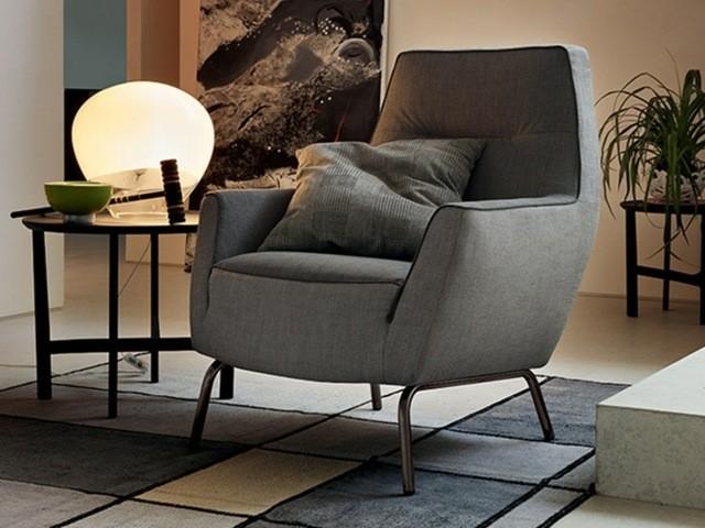 Dossier mi-haut pour ce fauteuil de Ditre Italia mobilier doux textile