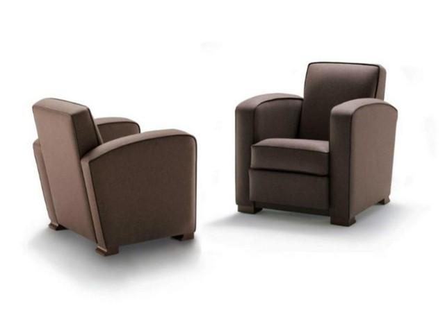 fauteuil design salon classique en cuir par HUGUES CHEVALIER