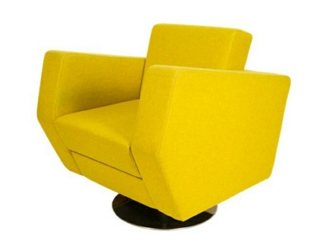 Fauteuil en jaune vif par Dark at Night meuble salon