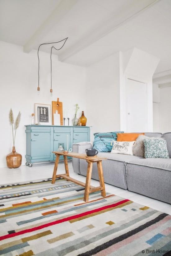 Un salon ensoleillé par Souraya Hassan de Binti Home