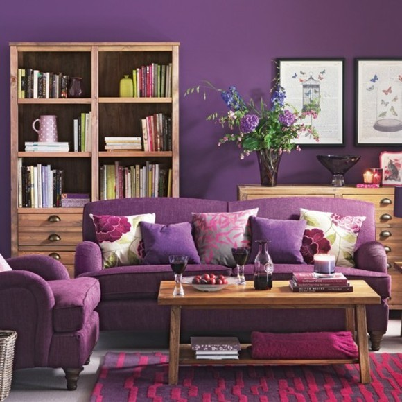 ameublement salon violet idee