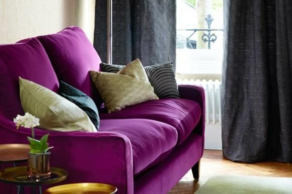 decoration salon moderne canape violet