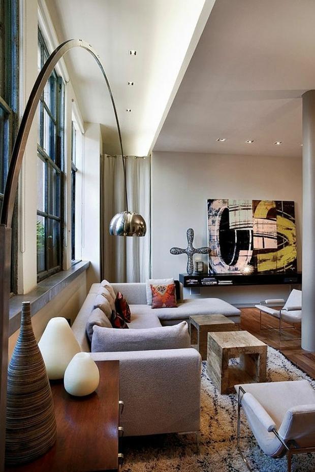 beau lampadaire surplombe salon moderne
