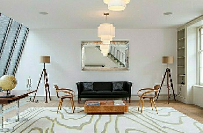 tendance déco 2015 salon intérieur moderne canapé noir objets design chaises en  bois