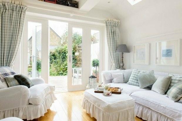 salon moderne blanc bleu