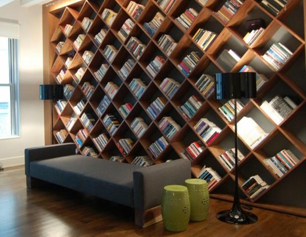 bibliothèque de salon intéressante et contemporaine