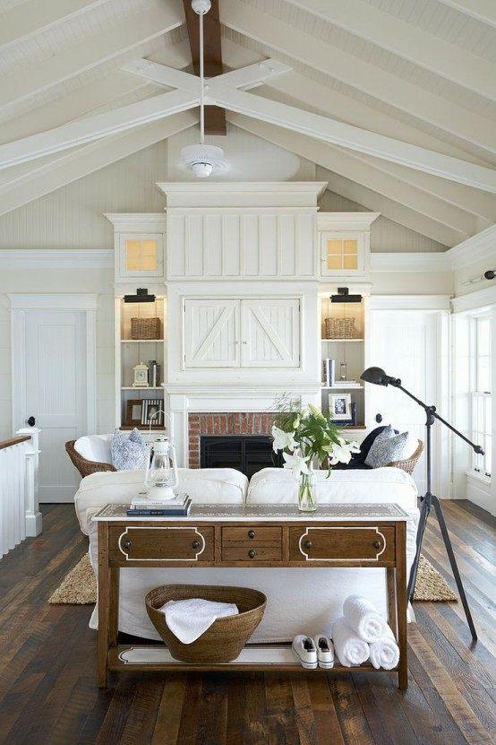 salon design en style rustique canapé blanc table de salon en bois lampe suspendue