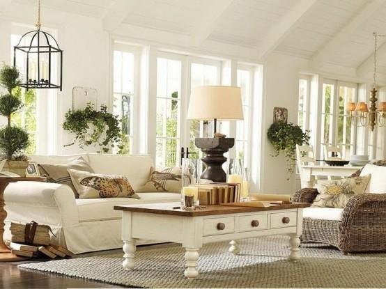 salon aménagement original idée lampe suspendue canapé blanc table en bois blanc lampe suspendue