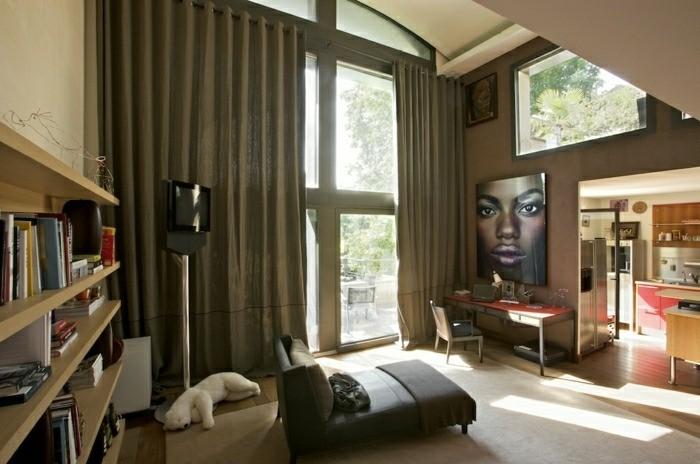 salon moderne rideaux couleur sombre