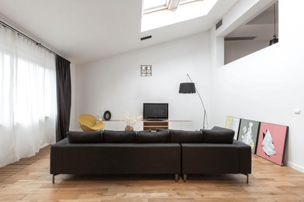 aménagement espace moderne canapé noir style d'intérieur contemporain