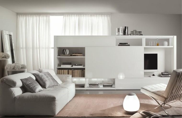 déco salon blanc tapis de sol rose fauteuil blanc canapé gris coussins meuble