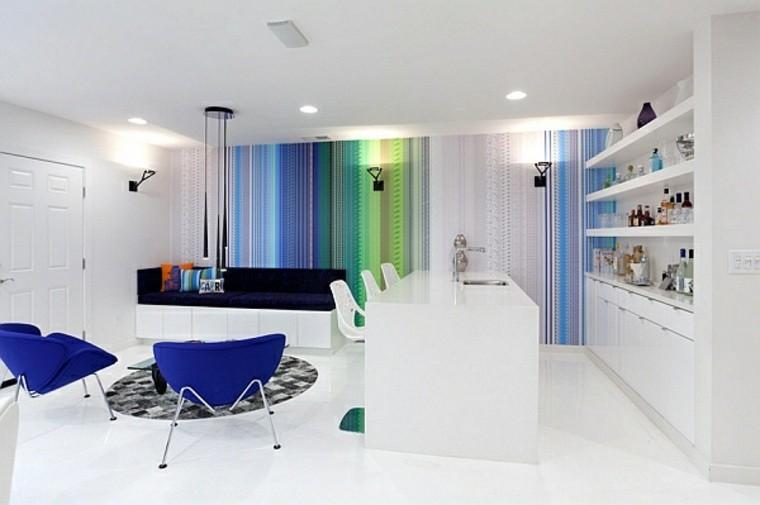 déco intérieur salon moderne fauteuil bleu canapé noir cuisine ouverte tapis de sol gris