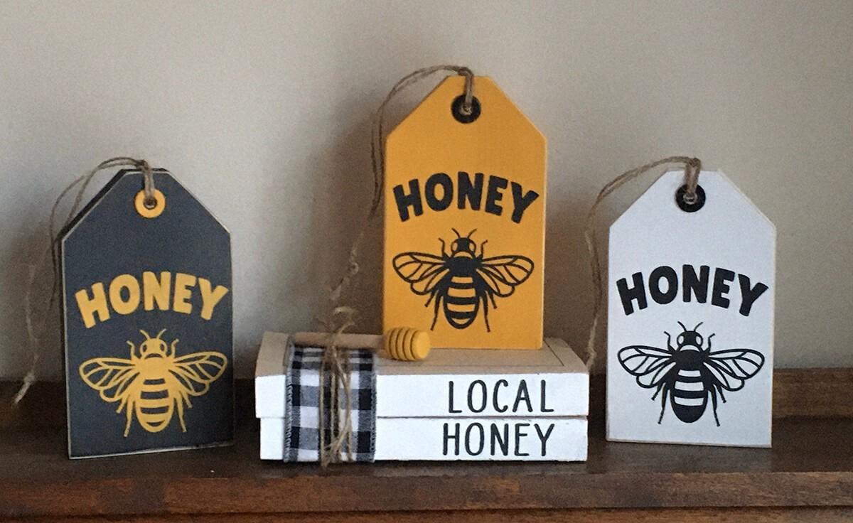 Panneaux en bois en forme d'abeille