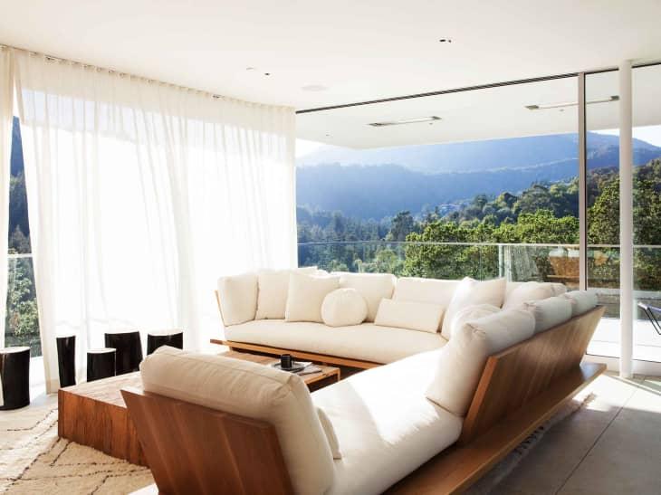 Salon d'extérieur minimaliste