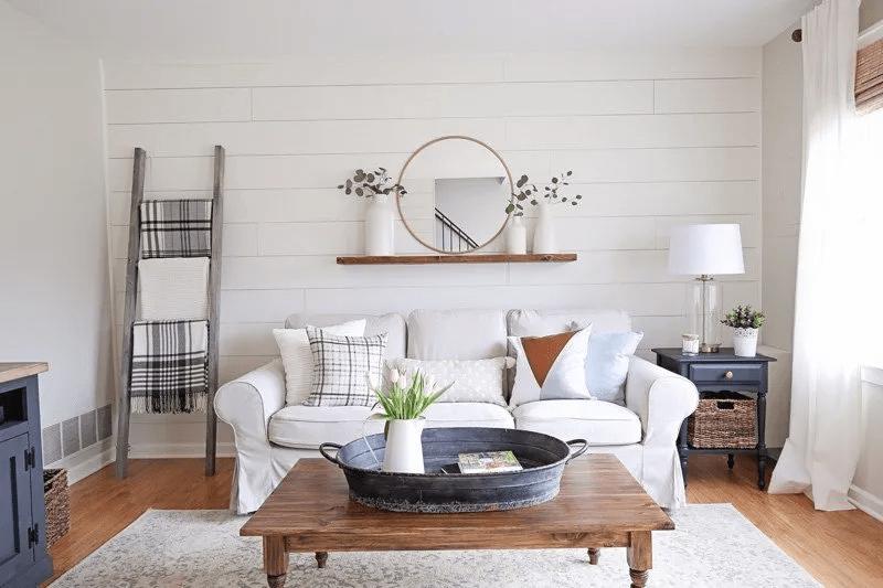 Salon minimaliste et rustique