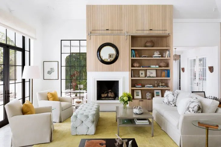 Salon minimaliste luxueux et tactile
