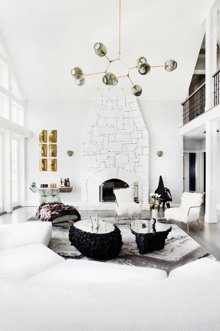 Un salon minimaliste et glacial
