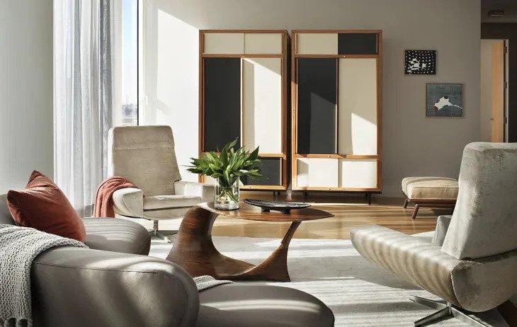 salon minimaliste avec plusieurs tons